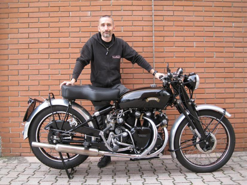 Vincent Black Shadow 1000 1953